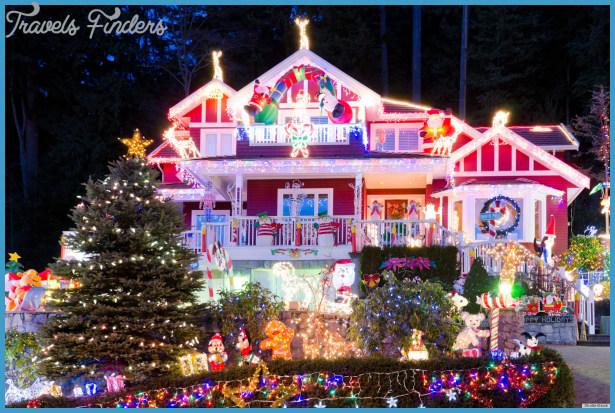 Holiday Lights Display: Ohio's Hall Family Has Christmas Decorations