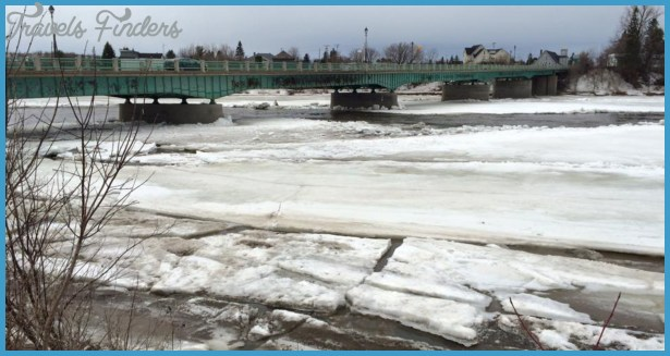 Ice jam makes way down Aroostook River
