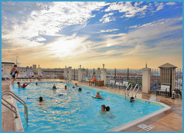 Rooftop Swimming Pool:Holiday Inn Washington DC-Central/White House