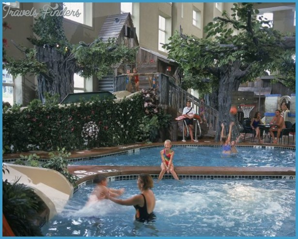 Fun Wisconsin Water Park Getaways. | Wisconsin Indoor Water Parks. Two ...