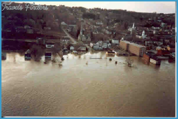 1987 Flood: Kennebec River in Hallowell