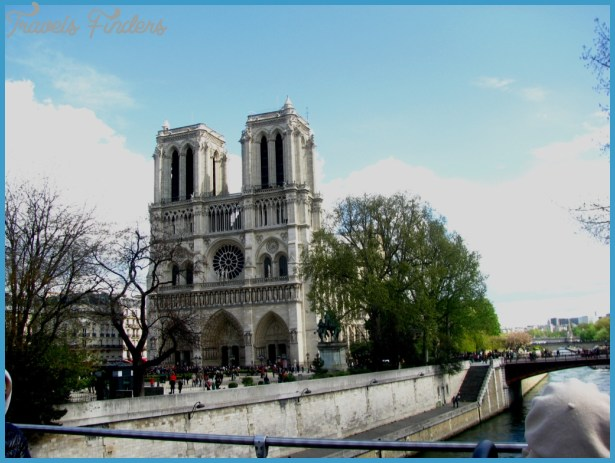 Paris Attractions: A Sightseeing Tour of All The Major Paris Sights