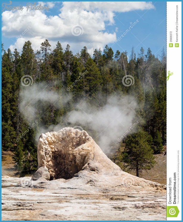 giant-geyser-steams-eruptions-yellowstone-national-park-s-upper-geyser ...