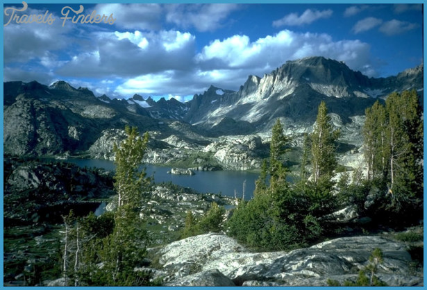 Island Lake landscape in Wyoming's Wind River mountains on the Bridger ...