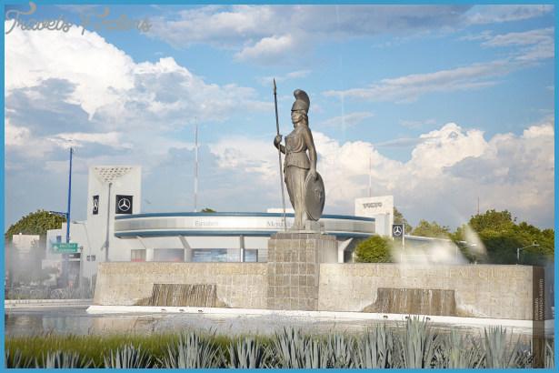 La_Minerva_Guadalajara_Jalisco.jpg