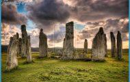 tumblr_static_the_standing_stones_of_callanish___scotland_by_detrucci-d5xnkr3.jpg