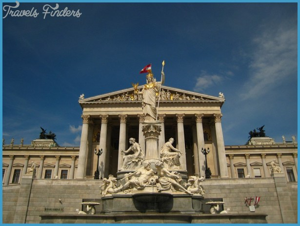 HOTELS AND PENSIONS IN VIENNA_13.jpg