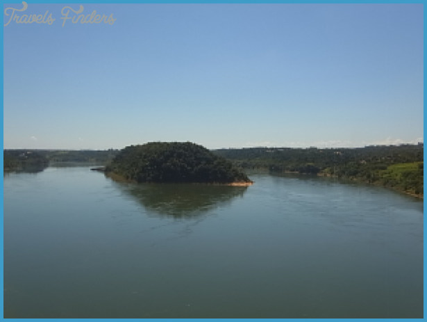 River Traffic of Paraguay_4.jpg