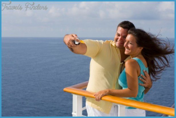 Honeymoon-Cruises-to-Bahamas.jpg