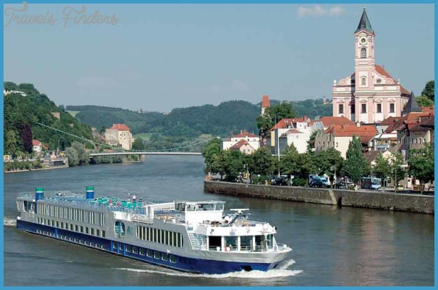 THE CRUISE LINES: RIVER CRUISING_12.jpg