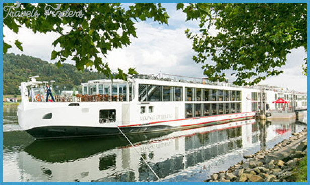 VIKING RIVER CRUISES TRAVEL GUIDE_0.jpg