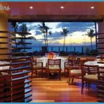 luxury-beach-resorts-maui-4.jpeg
