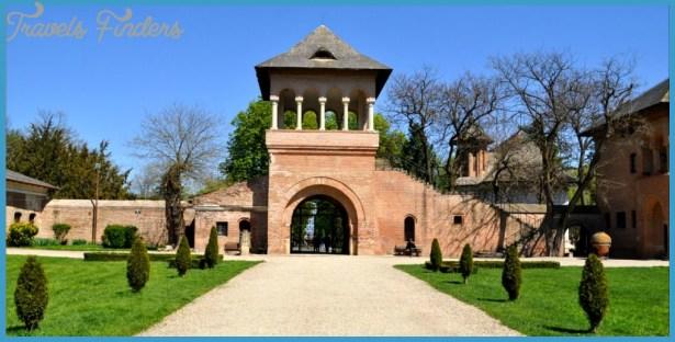 Mogosoaia Palace Bucharest_2.jpg