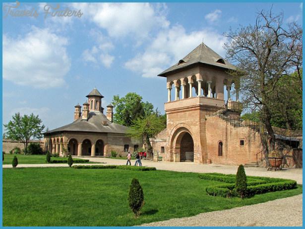 Mogosoaia Palace Bucharest_3.jpg