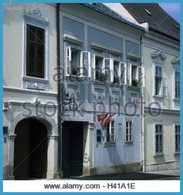 austria-burgenland-eisenstadt-terrace-haydns-museum-europe-houses-h41a1e.jpg
