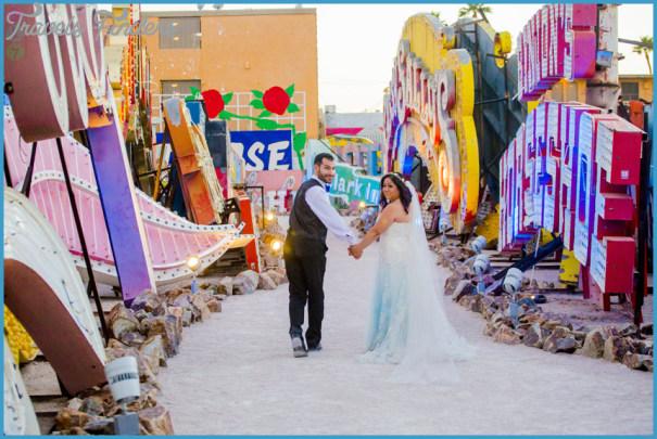 Las-Vegas-Neon-Museum-Wedding-Photos-015.jpg