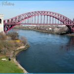 hell_gate_bridge_triborough_7apr02.jpg