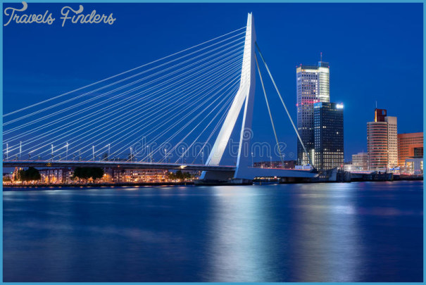 night-view-erasmus-bridge-rotterdam-25394739.jpg