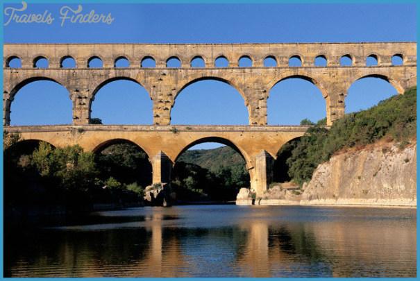 Pont-du-Gard-in-France_Panoramic-scenery_1474.jpg