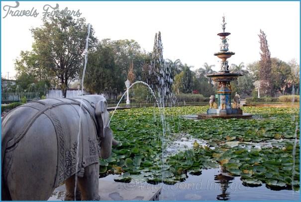 Tourist in Udaipur Rajasthan India City Palace Udaipur lake island Manji Raj Kaghat _7.jpg