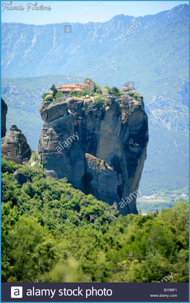 Towering Monasteries of Greece_12.jpg
