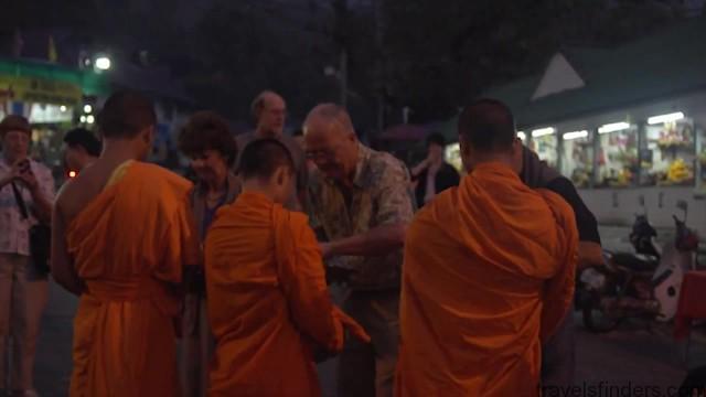 kc chotichawong tour guide to thailand vietnam 11