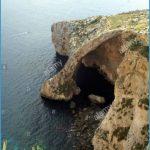 malta-the-blue-grotto-a-popular-tourist-attraction-near-the-village-D2H72J.jpg