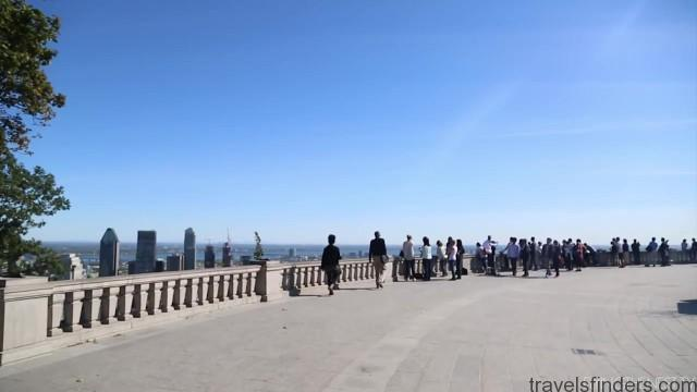 hiking to the top of montreal 17