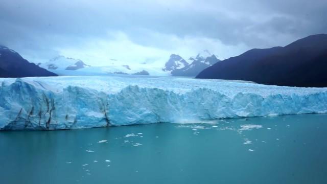 perito moreno glacier in el calafate pedal south patagonia expedition 07 14