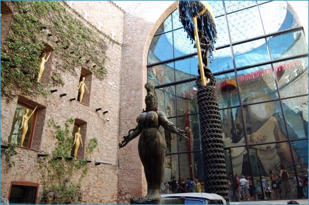 Salvador Dali Museum_0.jpg
