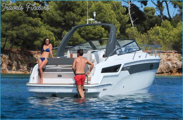 Reasons to Rent a Boat With Skipper and Relax on Your Next Trip to the sea!_15.jpg
