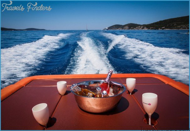 Reasons to Rent a Boat With Skipper and Relax on Your Next Trip to the sea!_8.jpg