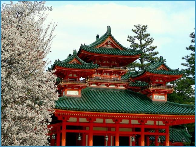 Heian Jingu Shrine in Kyoto_5.jpg